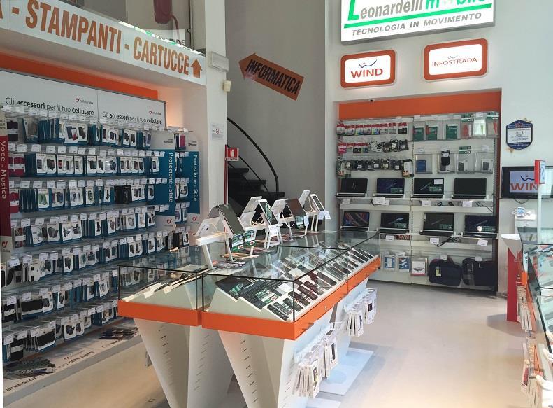 Negozio smartphone wind computer rovereto leonardelli for Orari negozi trento